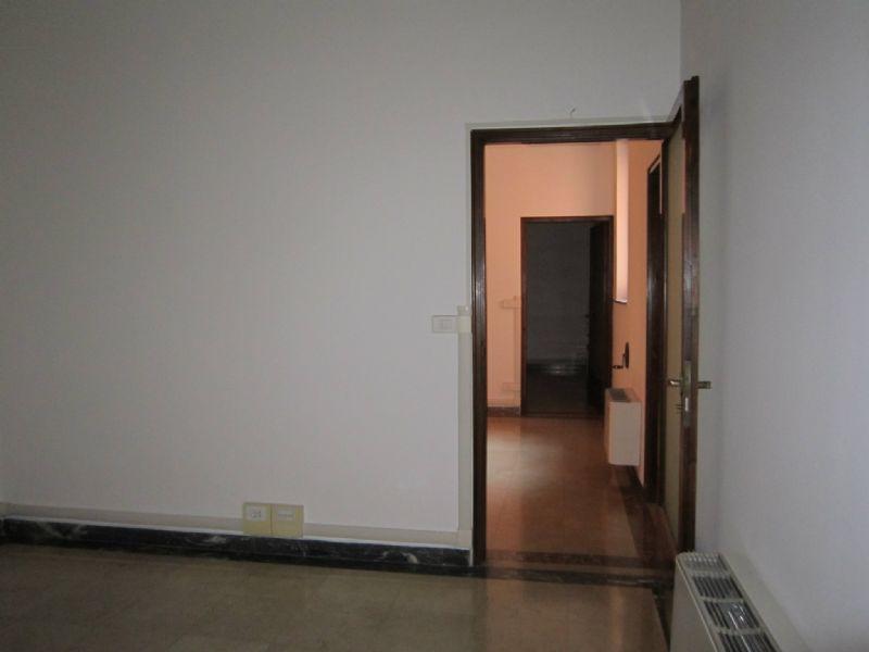 Ufficio / Studio in affitto a Verona, 3 locali, zona Zona: 1 . ZTL - Piazza Cittadella - San Zeno - Stadio, prezzo € 850 | Cambio Casa.it