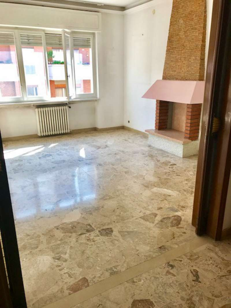 Appartamento in vendita a Verona, 5 locali, zona Zona: 3 . Borgo Trento, prezzo € 165.000   CambioCasa.it
