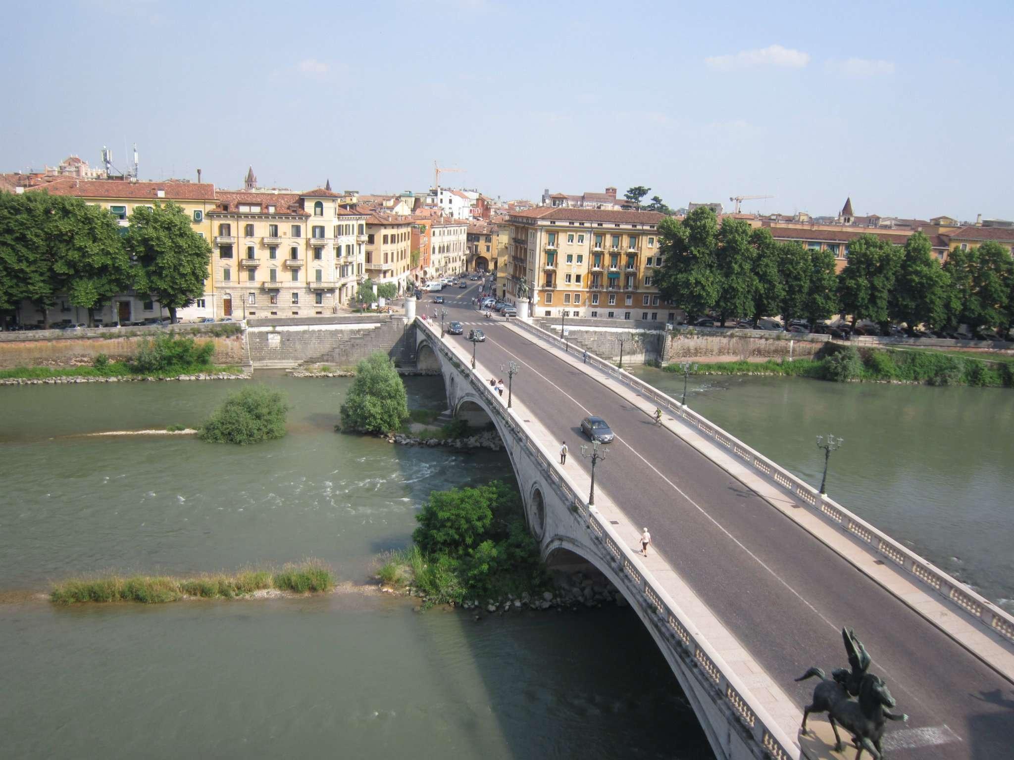 Attico / Mansarda in affitto a Verona, 5 locali, zona Zona: 3 . Borgo Trento, prezzo € 2.200 | CambioCasa.it