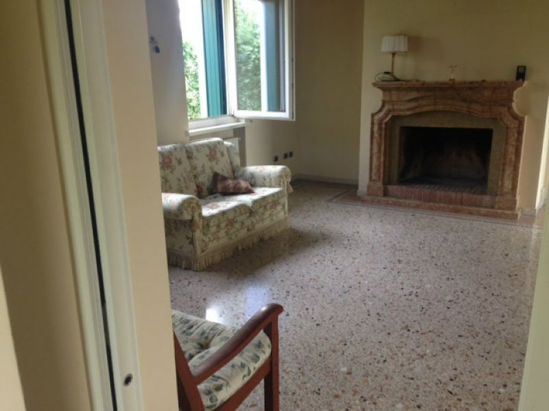 Soluzione Indipendente in affitto a Verona, 8 locali, zona Zona: 5 . Quinzano - Pindemonte - Ponte Crencano - Valdonega - Avesa , prezzo € 4.500 | CambioCasa.it