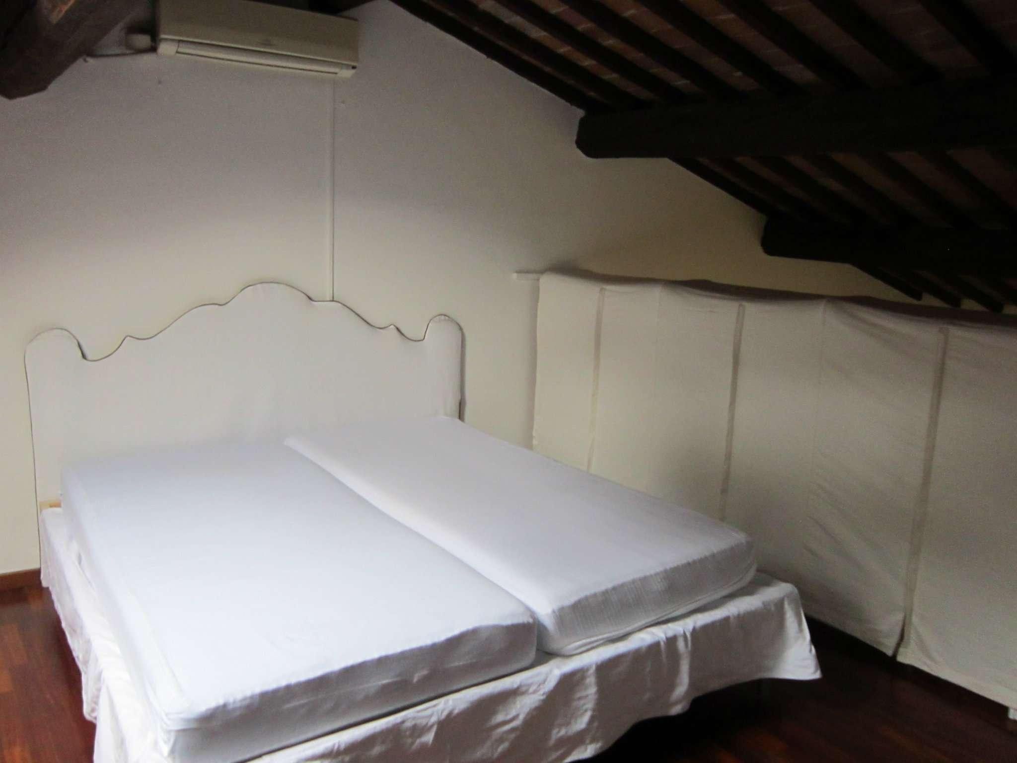 Appartamento in affitto a Verona, 3 locali, zona Zona: 1 . ZTL - Piazza Cittadella - San Zeno - Stadio, prezzo € 700 | CambioCasa.it