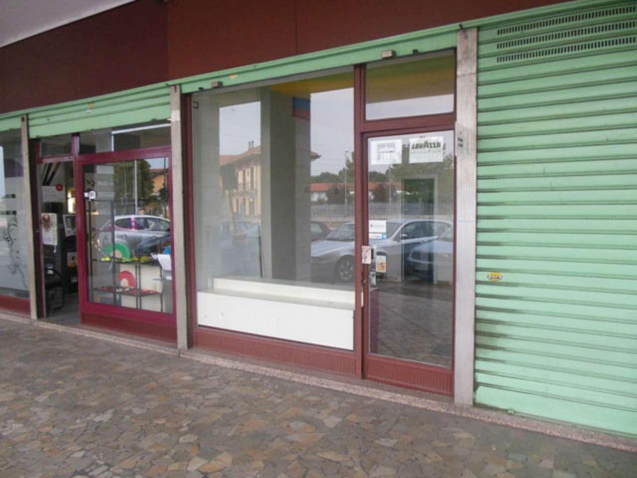 Negozio / Locale in affitto a Nichelino, 2 locali, prezzo € 290 | Cambio Casa.it