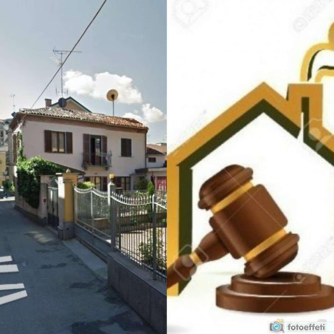 Villa in vendita a Chivasso, 4 locali, prezzo € 135.000 | Cambio Casa.it