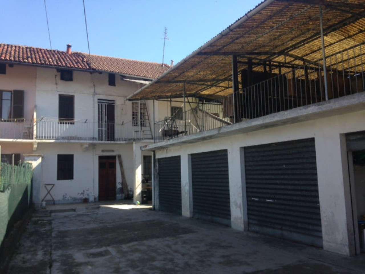 Rustico / Casale in vendita a Leini, 6 locali, prezzo € 185.000   Cambio Casa.it