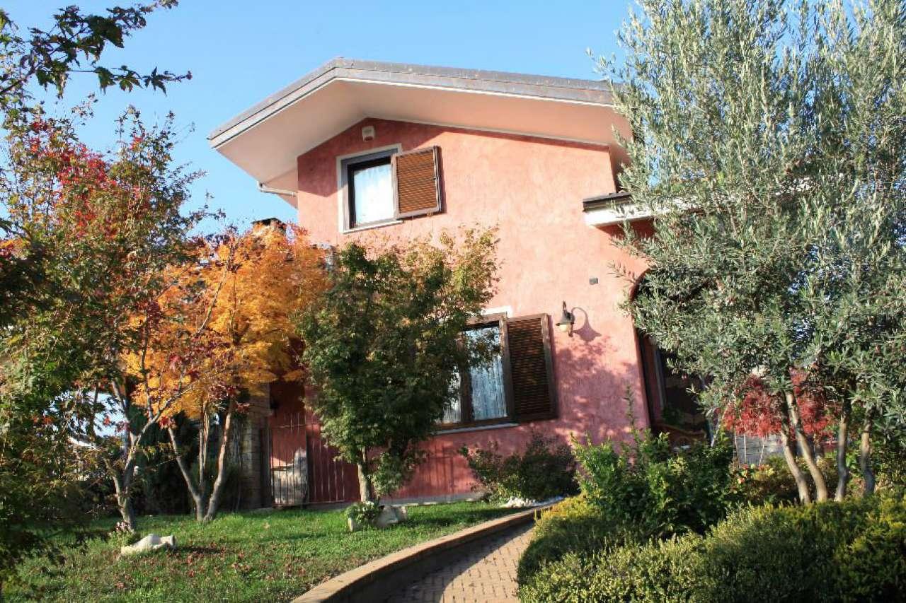 Soluzione Indipendente in vendita a Giaveno, 6 locali, Trattative riservate | CambioCasa.it