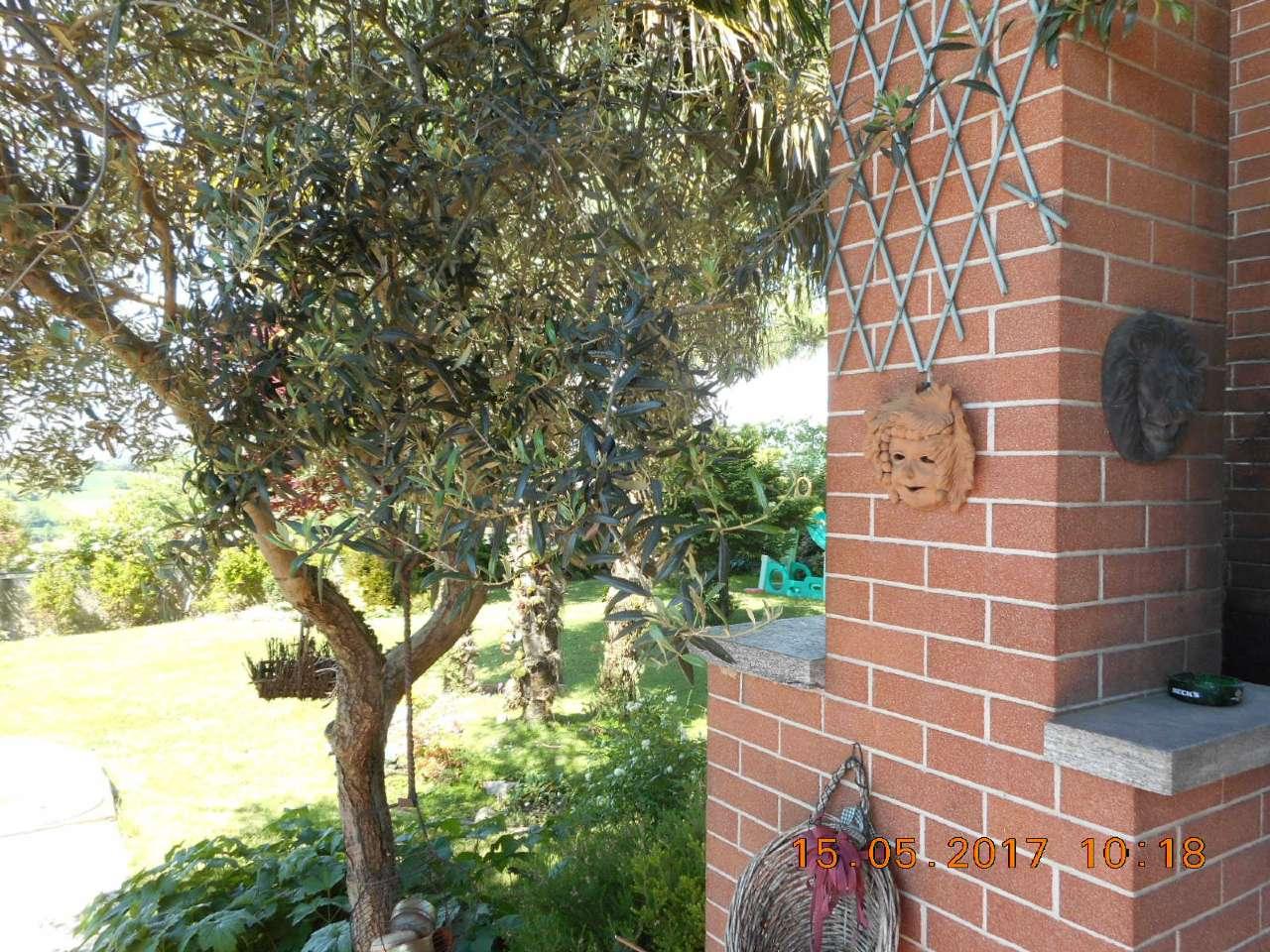 Villa in vendita a Marentino, 10 locali, prezzo € 295 | CambioCasa.it