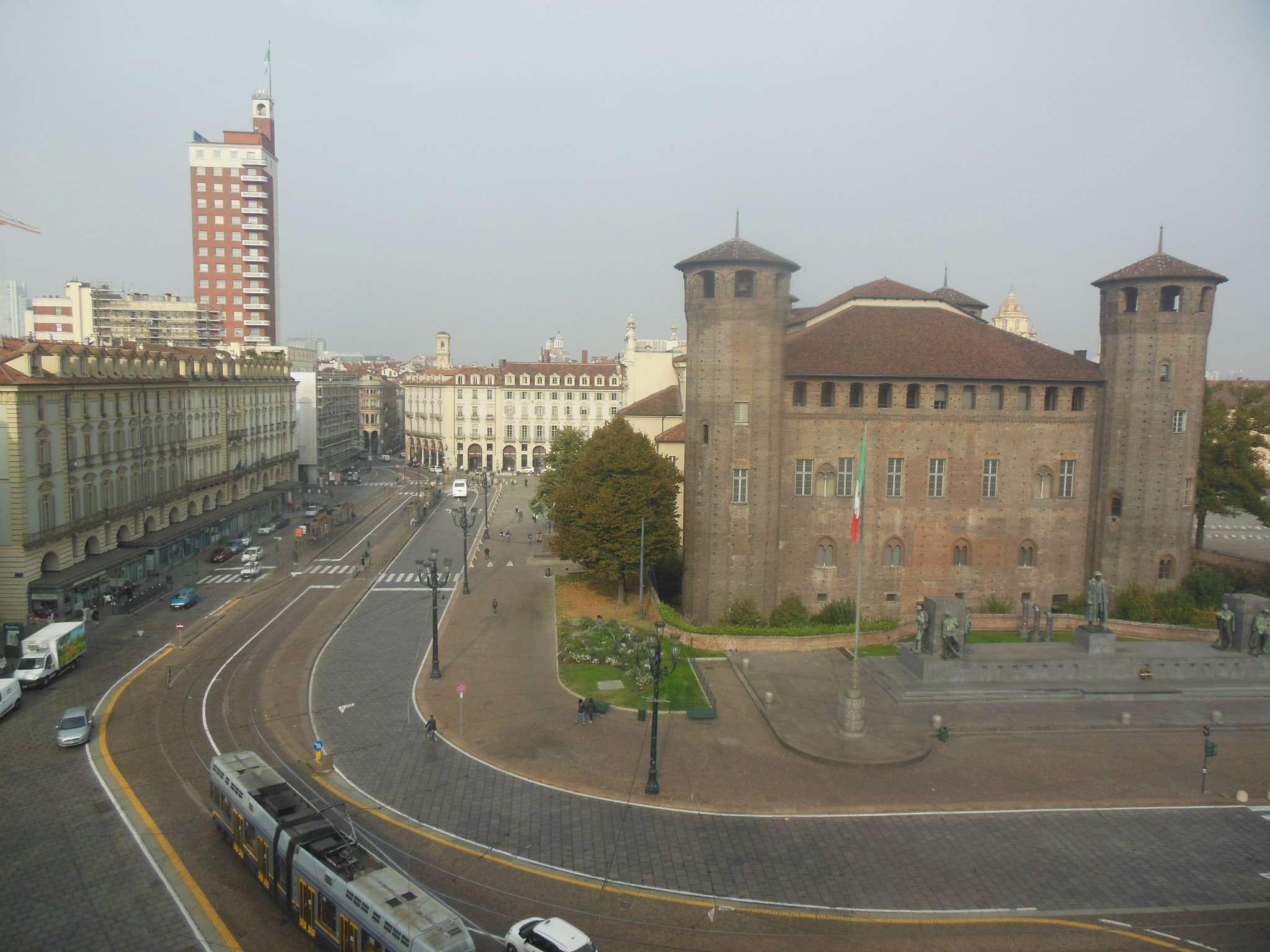 Attico / Mansarda in affitto a Torino, 3 locali, zona Zona: 1 . Centro, Quadrilatero Romano, Repubblica, Giardini Reali, prezzo € 680 | CambioCasa.it