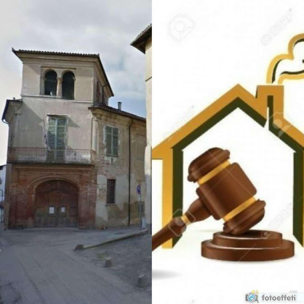 Palazzo / Stabile in vendita a Montanaro, 14 locali, prezzo € 450.000 | CambioCasa.it