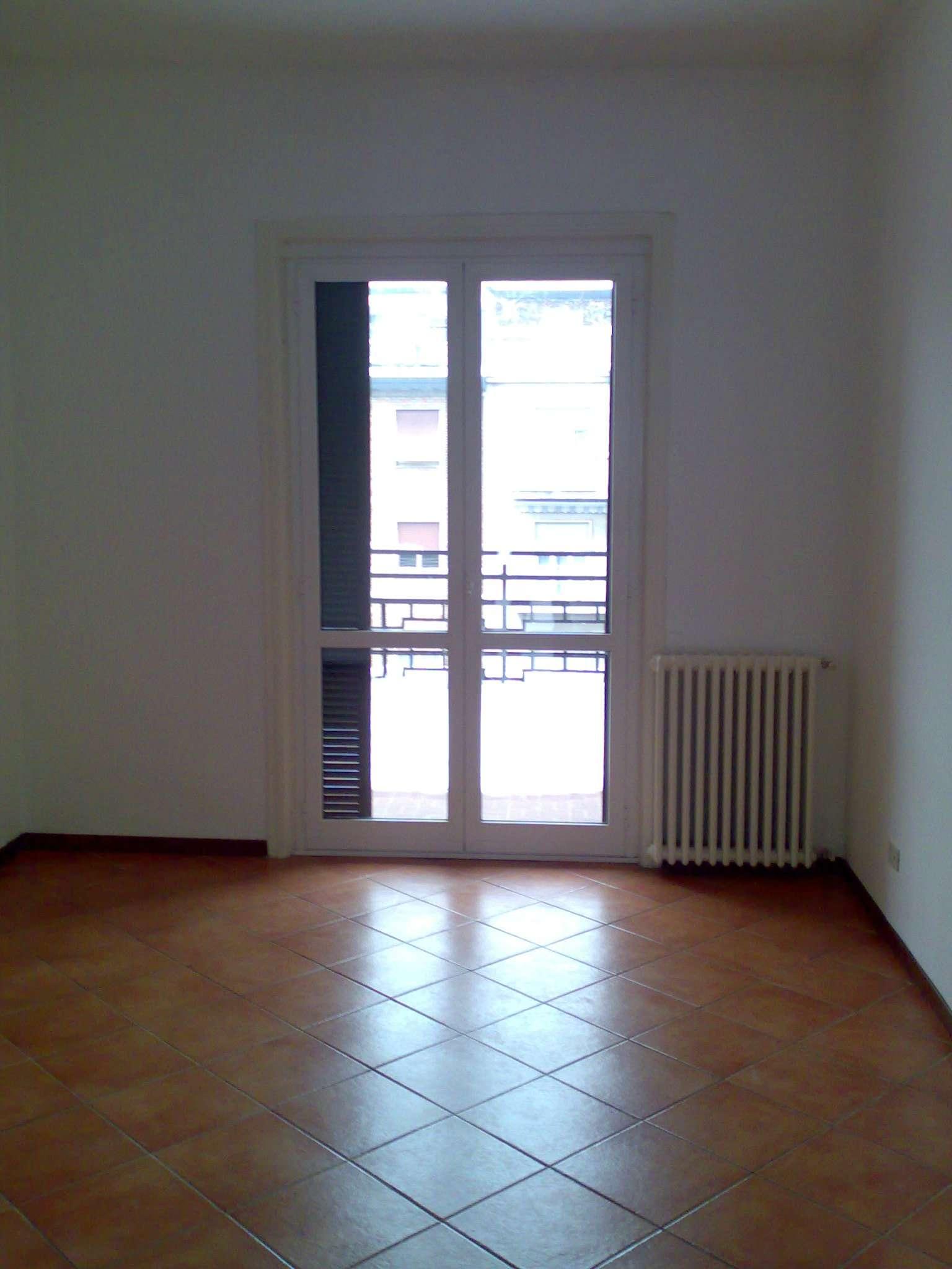 Bilocale Milano Via Via Teodosio 8