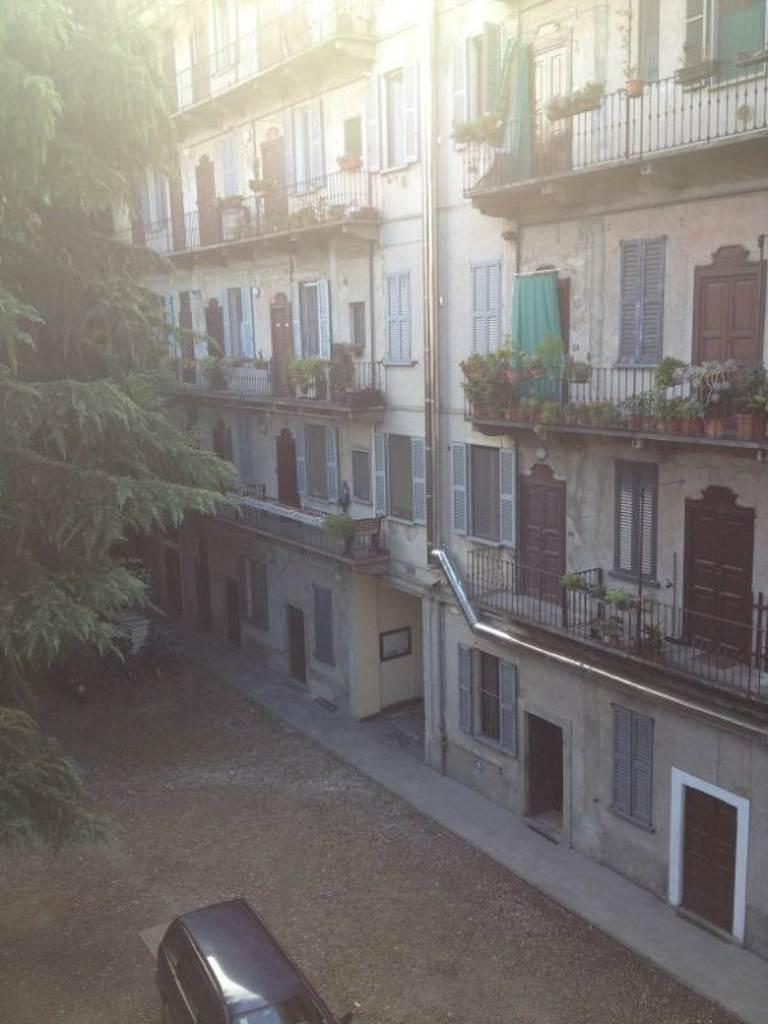 Bilocale Milano Via Padova 8