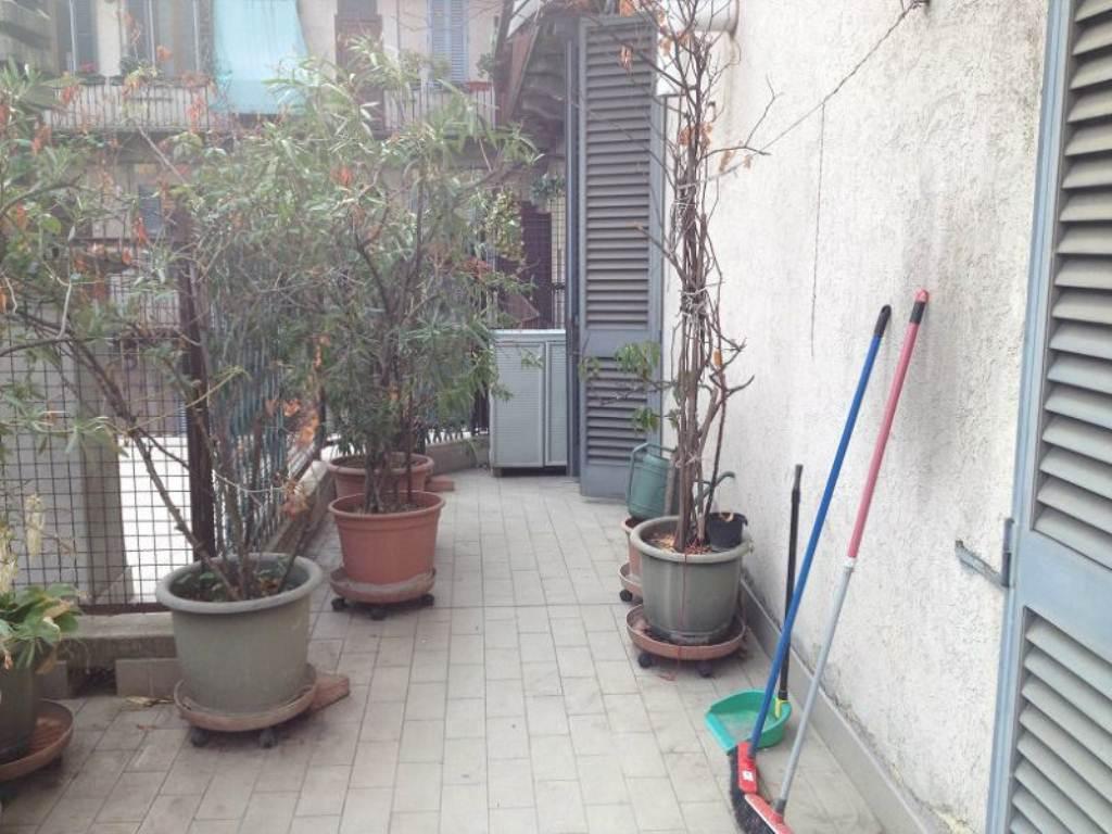 Bilocale Milano Via Padova 5