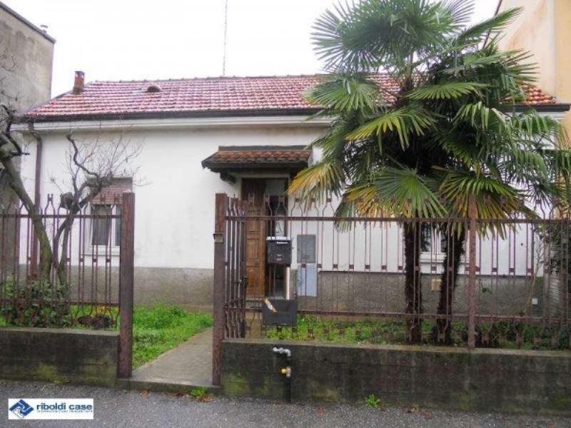 Villa in vendita a Seregno, 4 locali, prezzo € 258.000 | Cambiocasa.it
