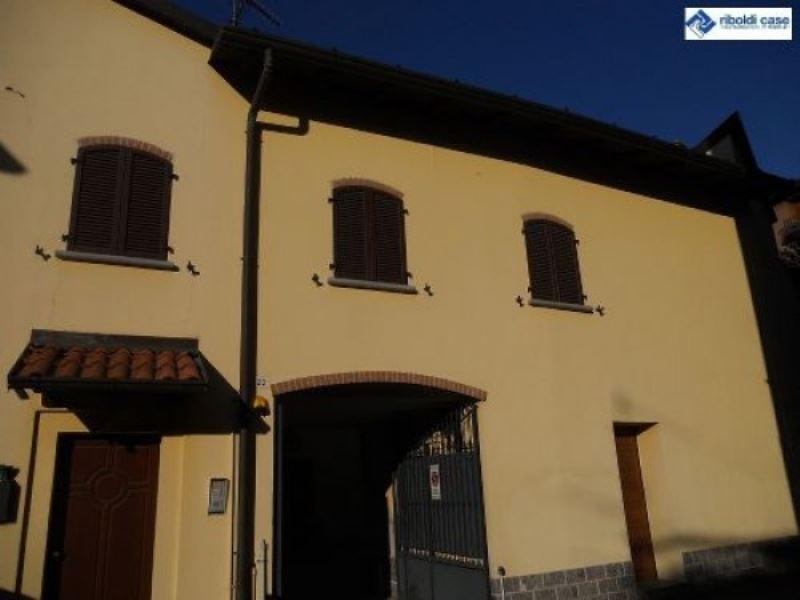 Villa in vendita a Seregno, 5 locali, prezzo € 349.000 | Cambiocasa.it