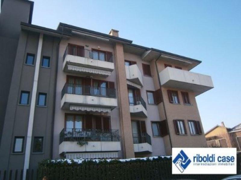 Appartamento in vendita a Desio, 3 locali, prezzo € 178.000 | Cambiocasa.it