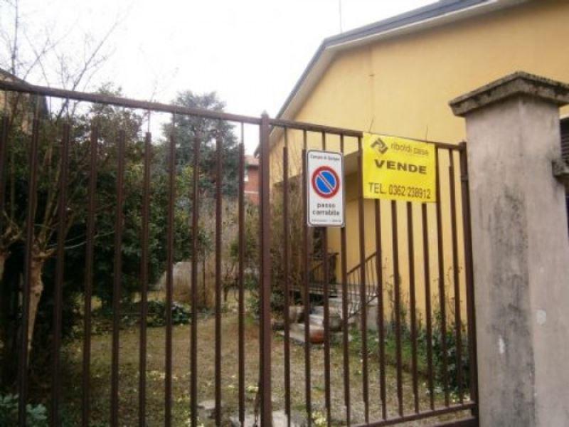 Villa in vendita a Seregno, 9999 locali, prezzo € 350.000 | Cambiocasa.it