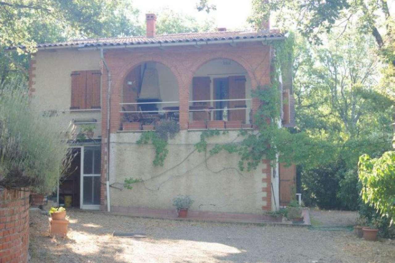 Villa in vendita a Arezzo, 5 locali, prezzo € 250.000 | CambioCasa.it