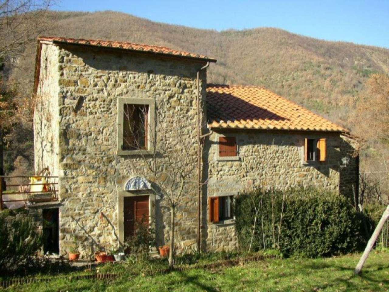 Rustico-casale Altro in Vendita a Chitignano