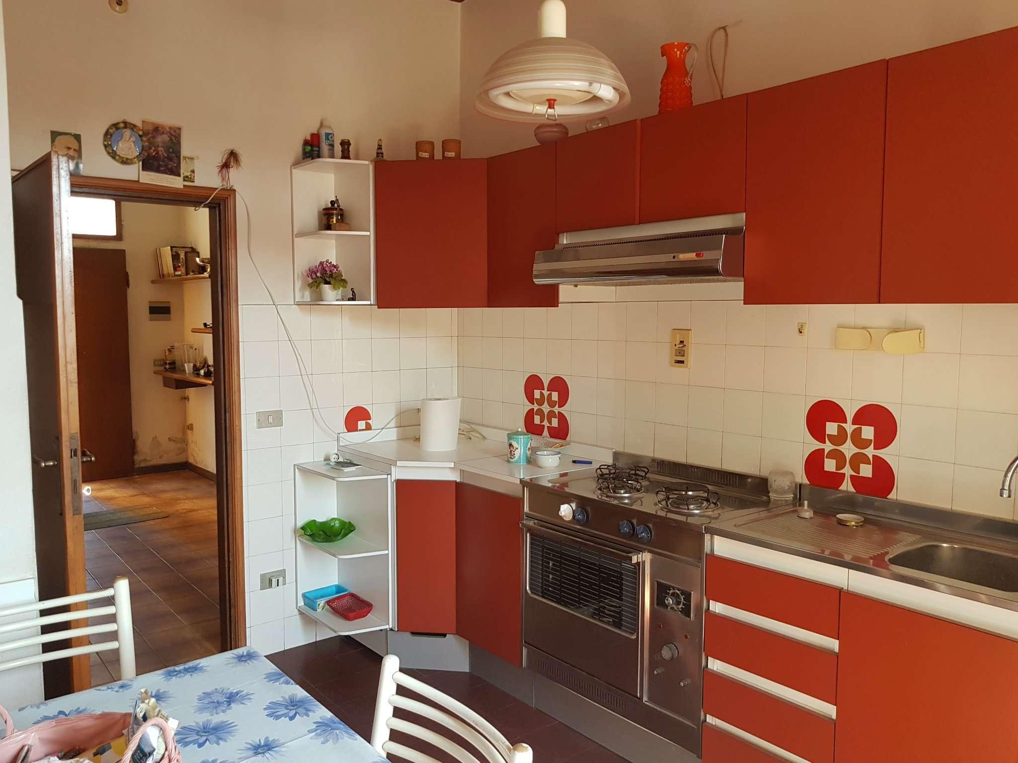 Appartamento in affitto a Laterina, 5 locali, prezzo € 450 | CambioCasa.it