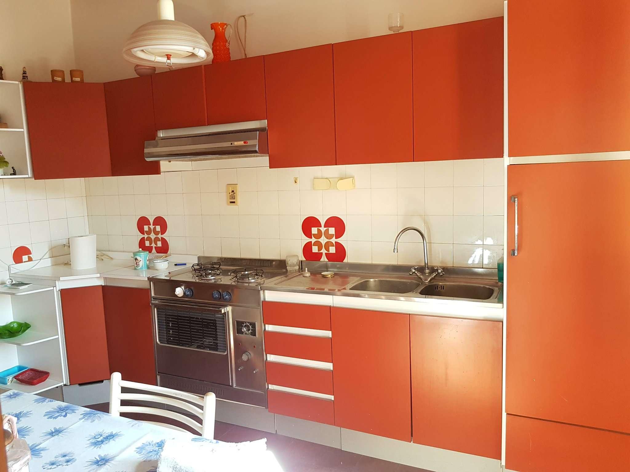 Appartamento in vendita a Laterina, 5 locali, prezzo € 110.000 | CambioCasa.it