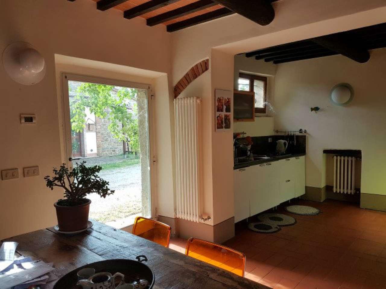 Appartamento in affitto a Civitella in Val di Chiana, 3 locali, prezzo € 450 | CambioCasa.it