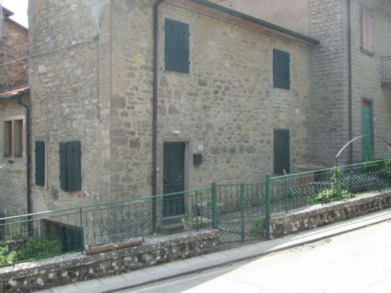 Palazzo / Stabile in Vendita a Chiusi della Verna