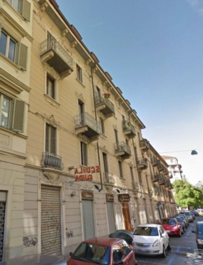 Appartamento in vendita a Torino, 3 locali, zona Zona: 11 . Regio Parco,Vanchiglia, prezzo € 165.000   Cambiocasa.it