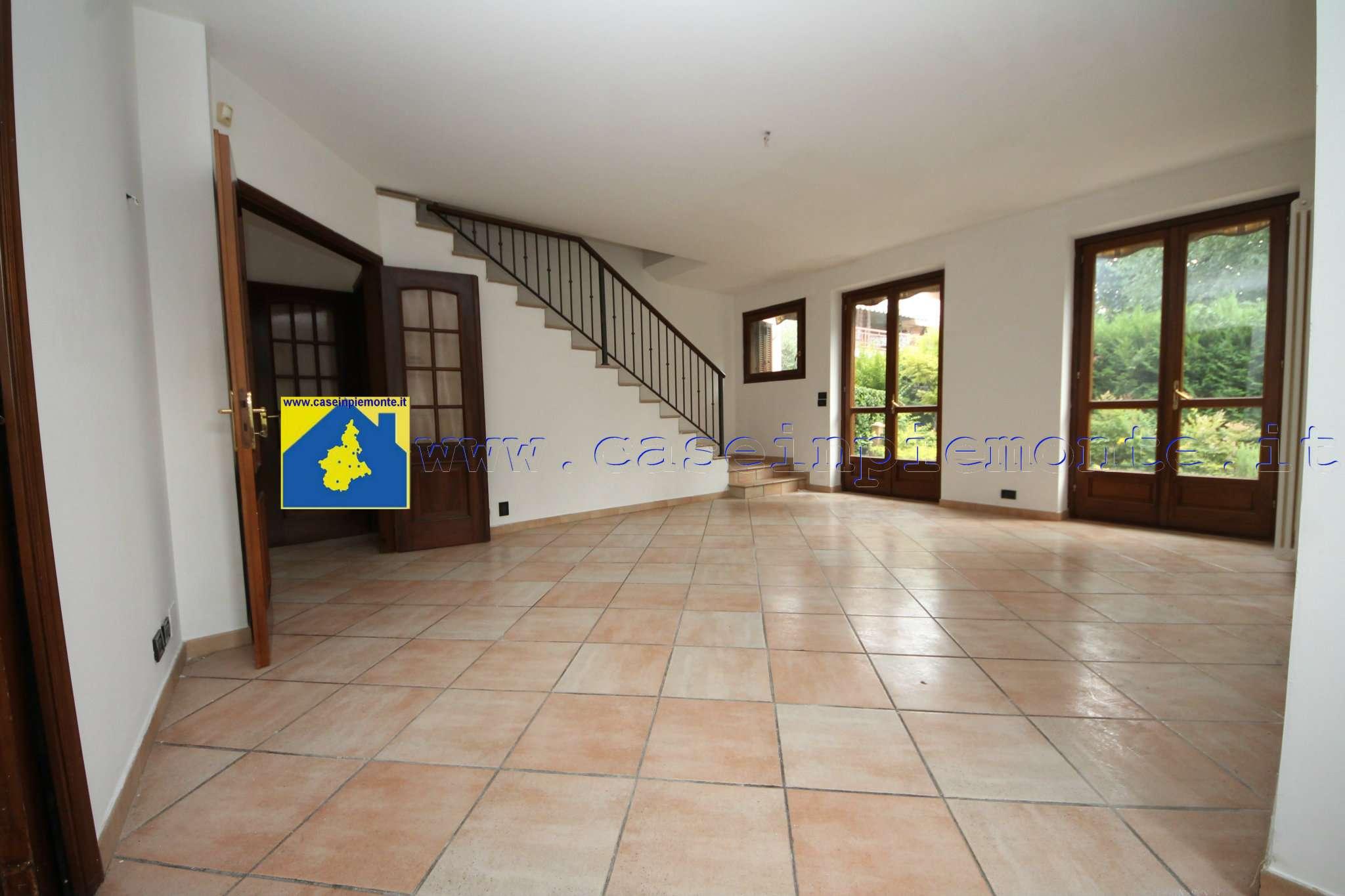 Foto 1 di Villa via Mongioie 36, Rivoli