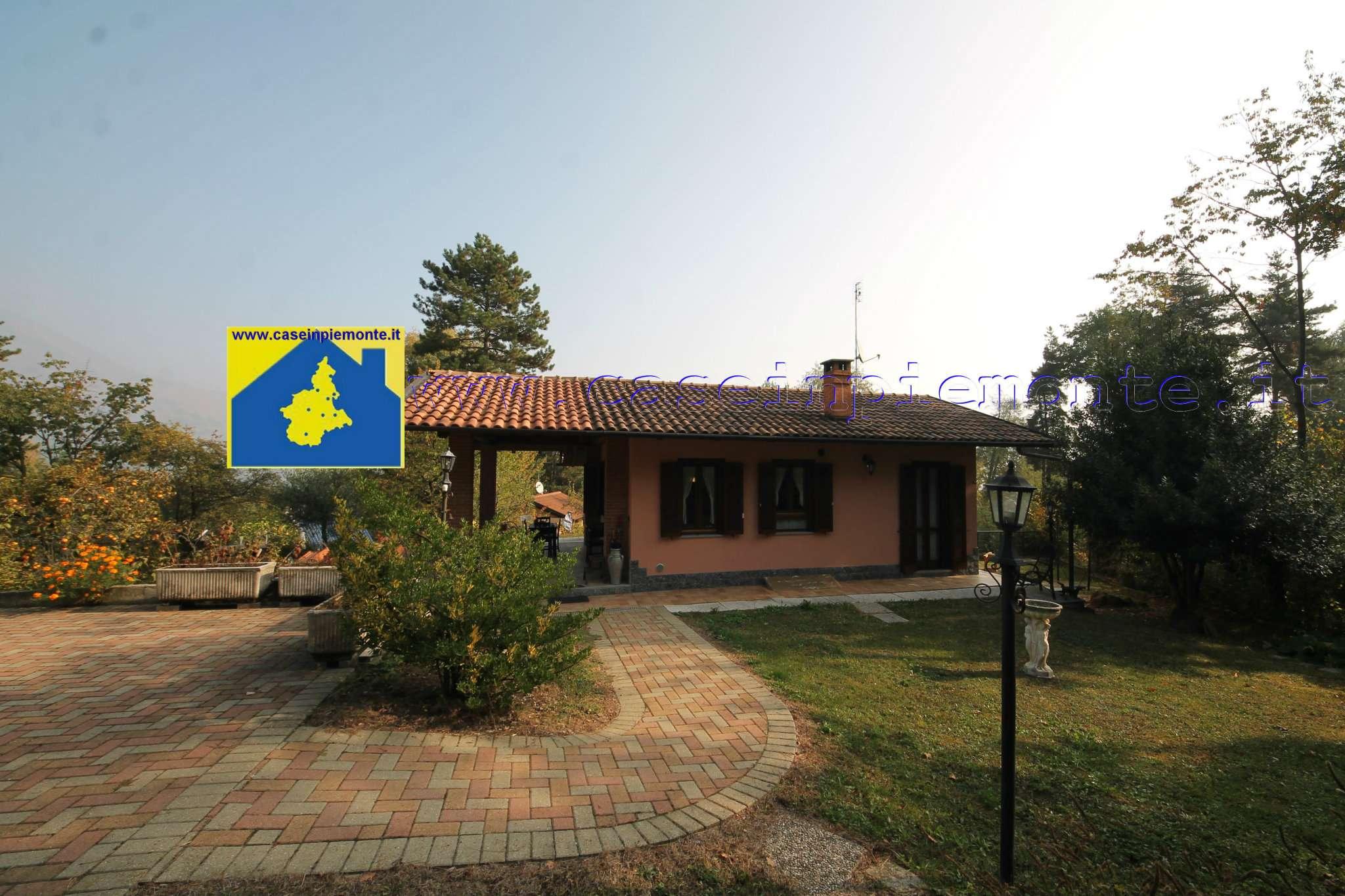 Foto 1 di Villa via Pineta 13, frazione Montelera, Val Della Torre