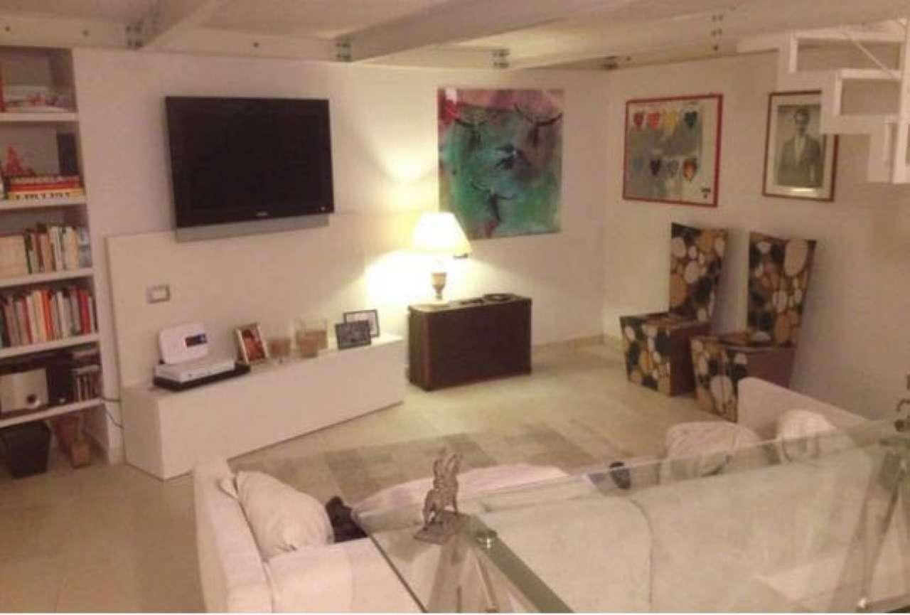 Loft / Openspace in vendita a Bologna, 4 locali, zona Zona: 1 . Centro Storico, prezzo € 450.000 | CambioCasa.it