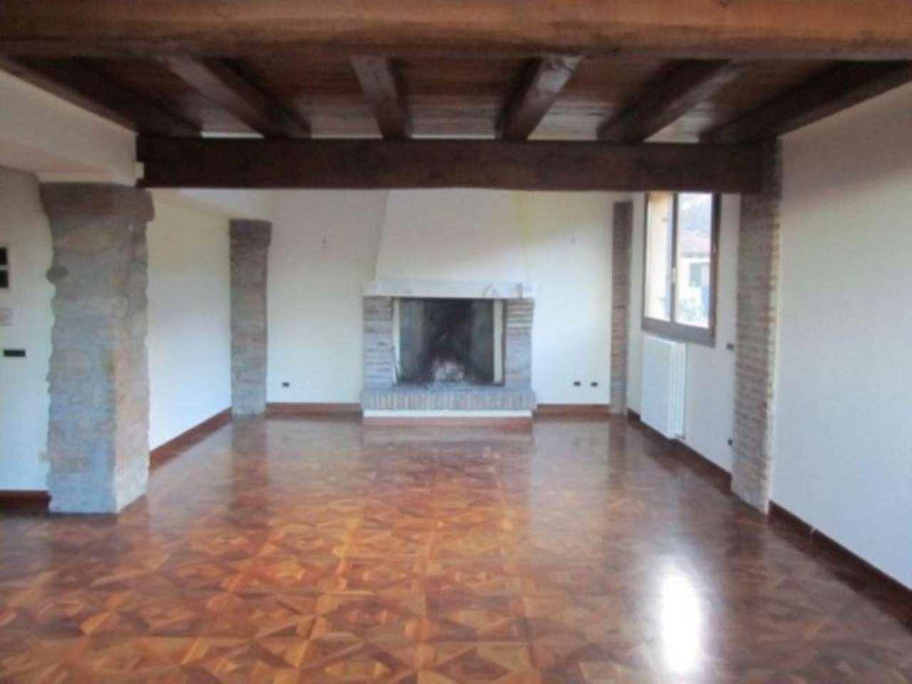 Villa in affitto a Sasso Marconi, 6 locali, prezzo € 2.500 | Cambio Casa.it