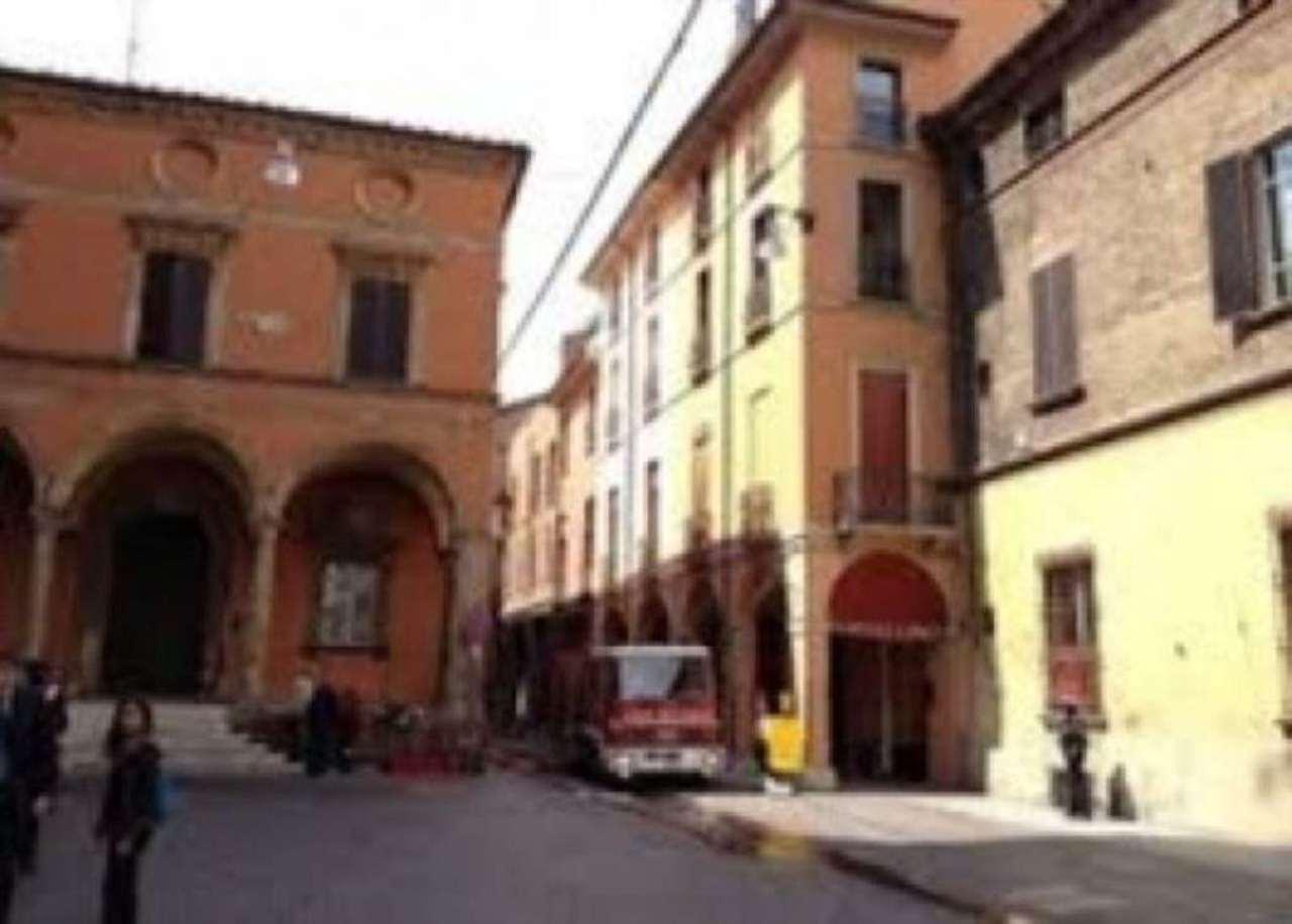 Attività / Licenza in affitto a Bologna, 1 locali, zona Zona: 1 . Centro Storico, prezzo € 250 | Cambio Casa.it