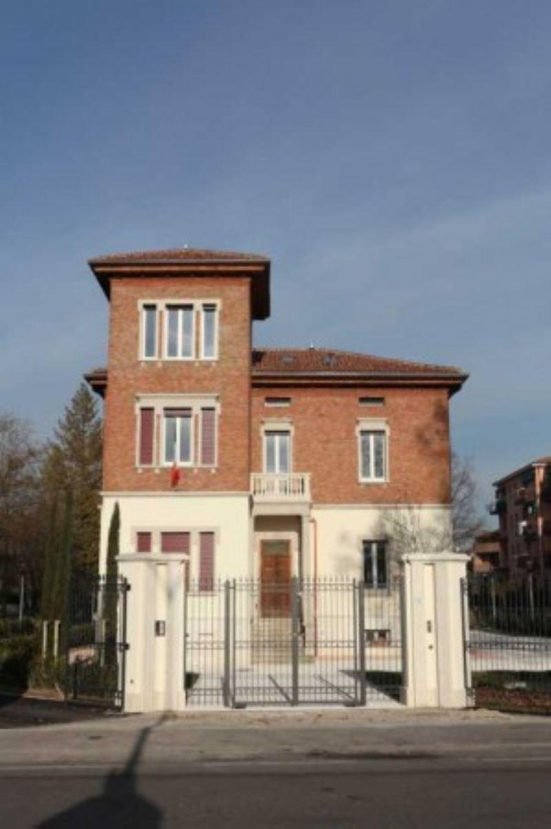 Palazzo / Stabile in affitto a Anzola dell'Emilia, 8 locali, prezzo € 2.500 | Cambio Casa.it