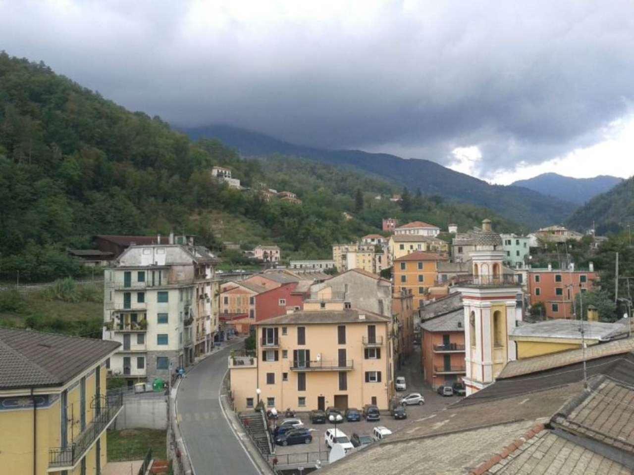 Appartamento in vendita a Borzonasca, 5 locali, prezzo € 120.000 | CambioCasa.it