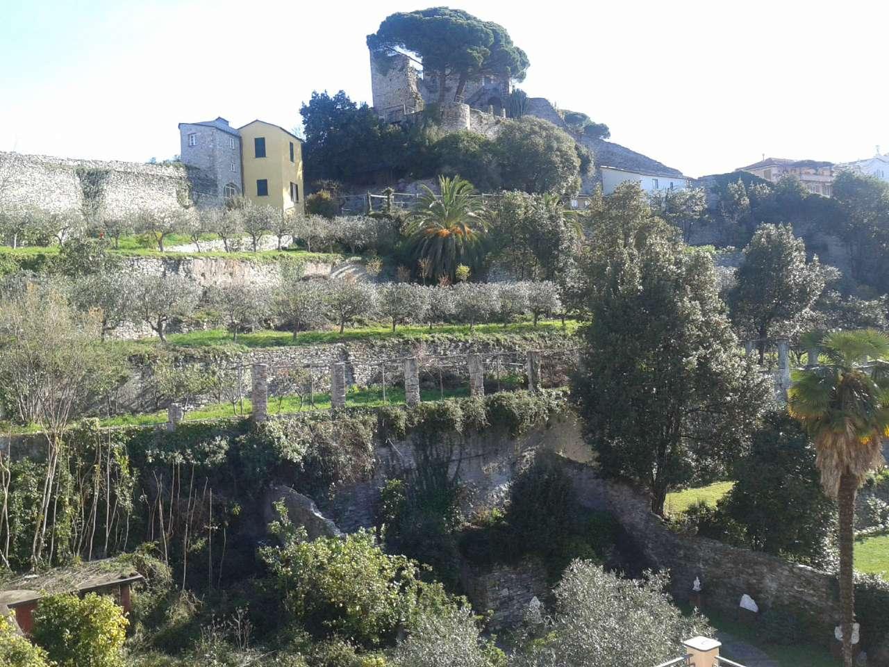 Appartamento in affitto a Chiavari, 10 locali, prezzo € 2.800 | CambioCasa.it