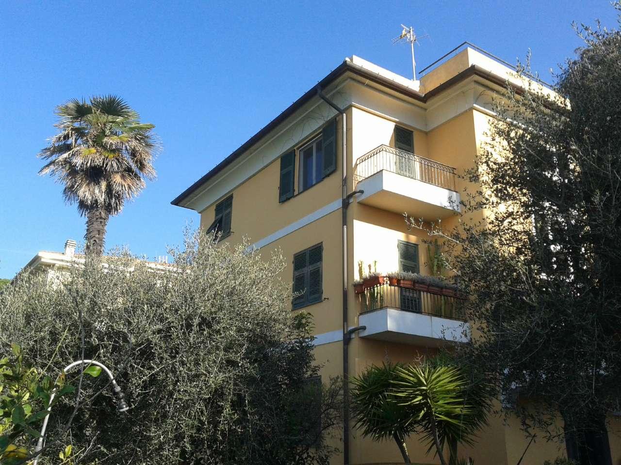 Appartamento in affitto a Lavagna, 4 locali, prezzo € 1.200 | CambioCasa.it