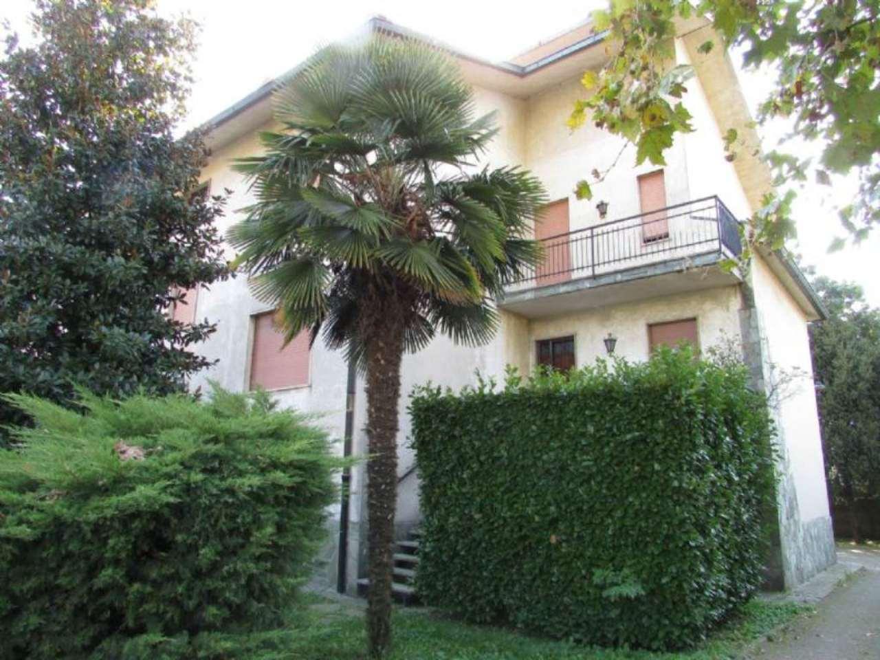 Villa in vendita a Sedriano, 10 locali, prezzo € 630.000 | Cambio Casa.it