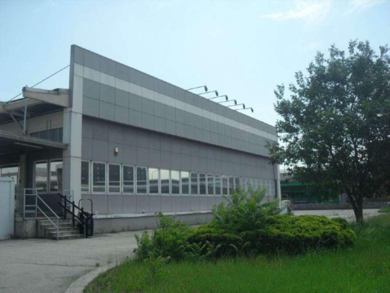 Capannone in affitto a Milano, 9999 locali, zona Zona: 7 . Corvetto, Lodi, Forlanini, Umbria, Rogoredo, prezzo € 26.500 | Cambio Casa.it