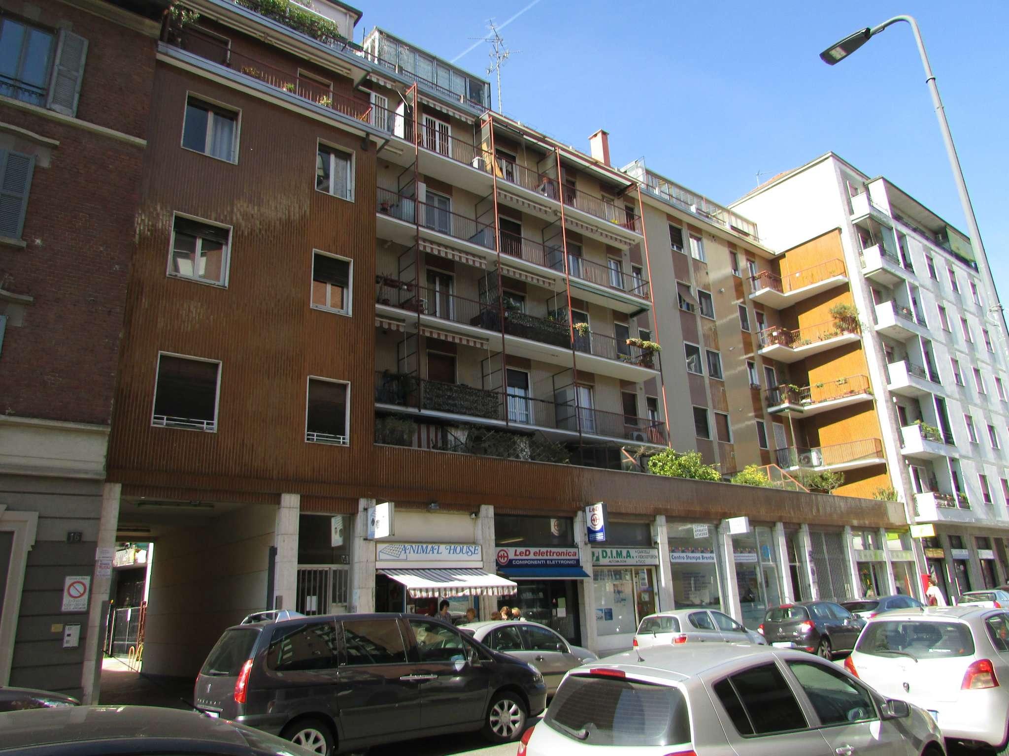 Magazzino in Vendita a Milano