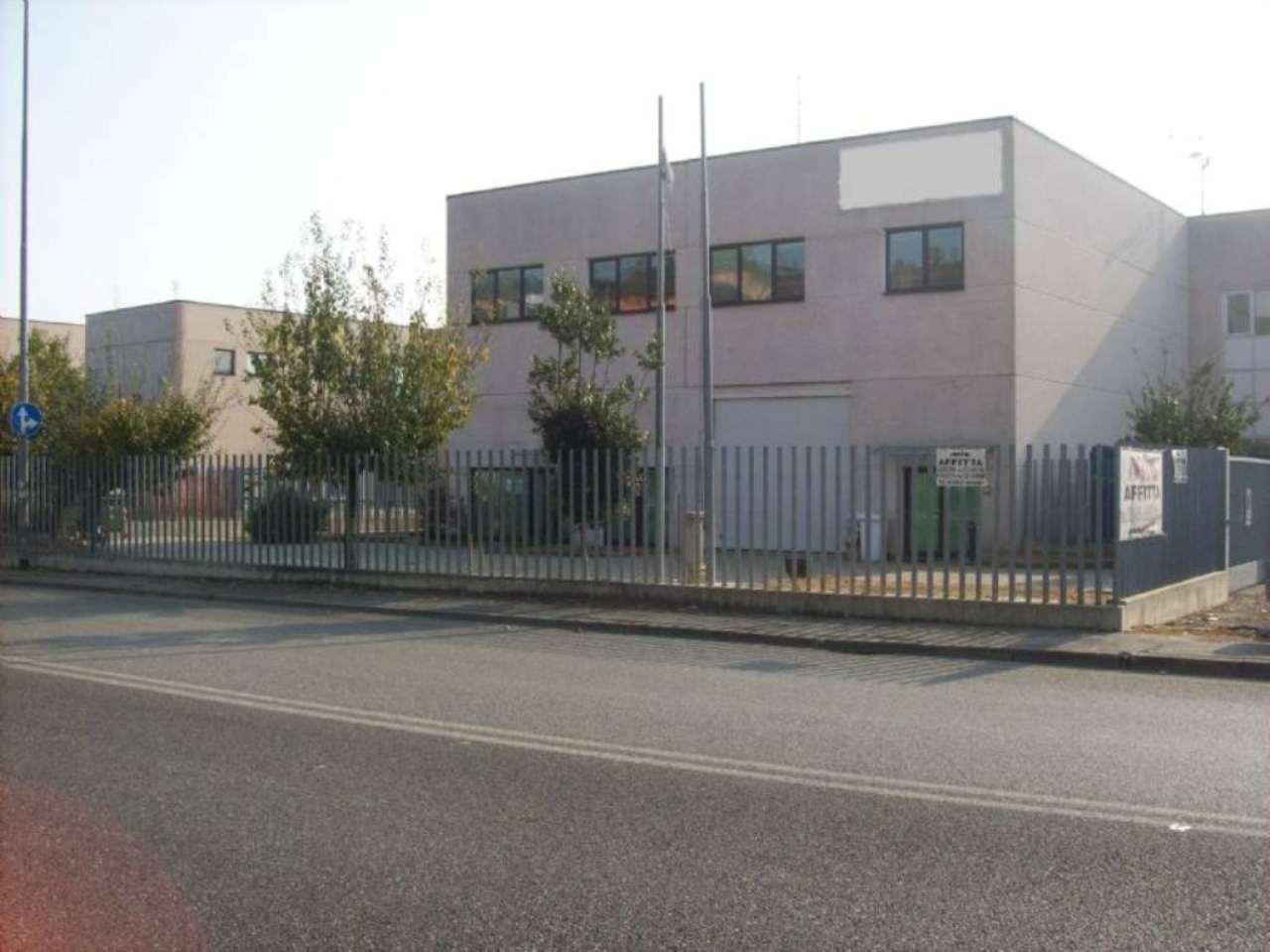 Negozio / Locale in affitto a San Giuliano Milanese, 9999 locali, prezzo € 3.300 | Cambio Casa.it
