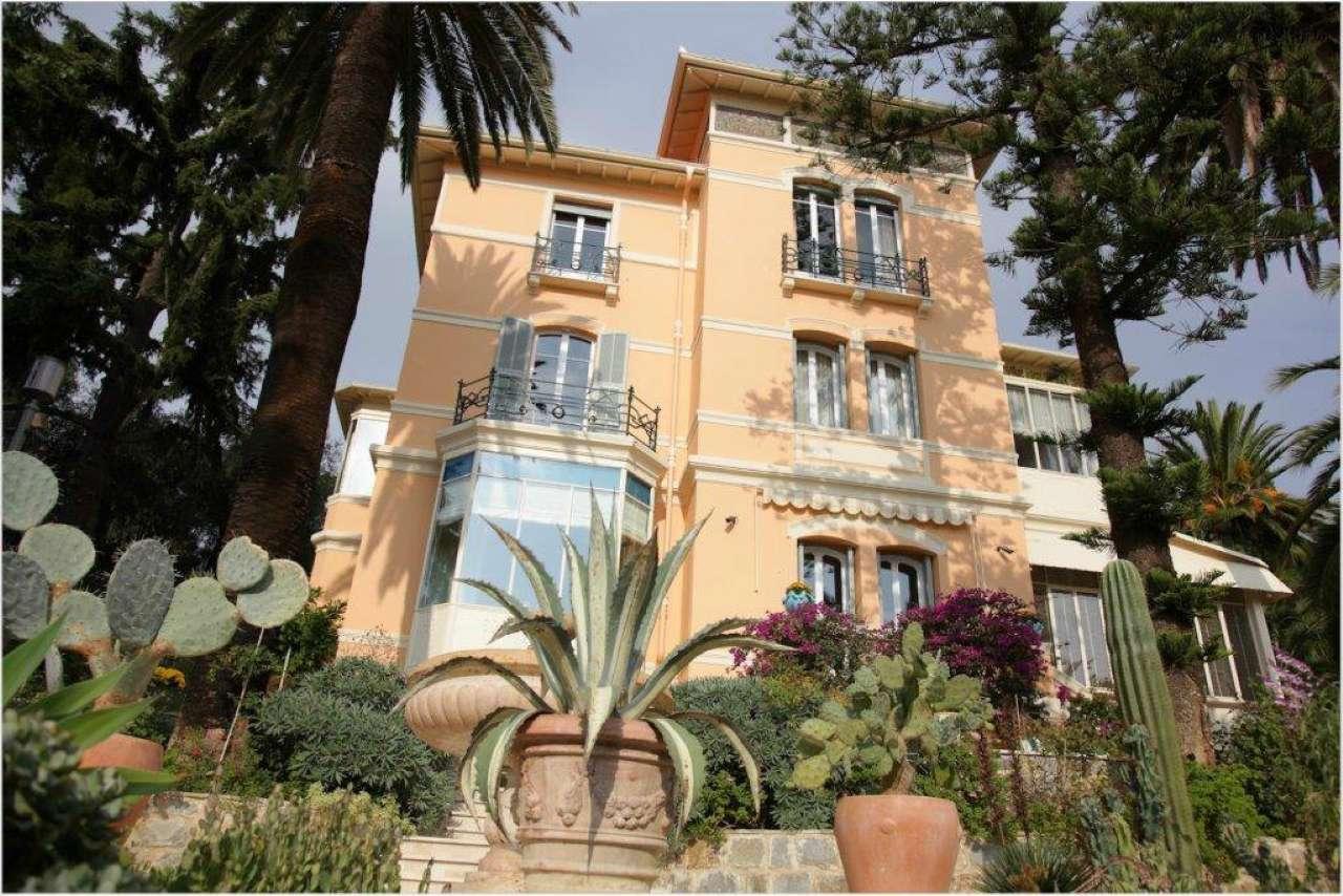 Villa in Vendita a San Remo Periferia Ovest: 5 locali, 700 mq