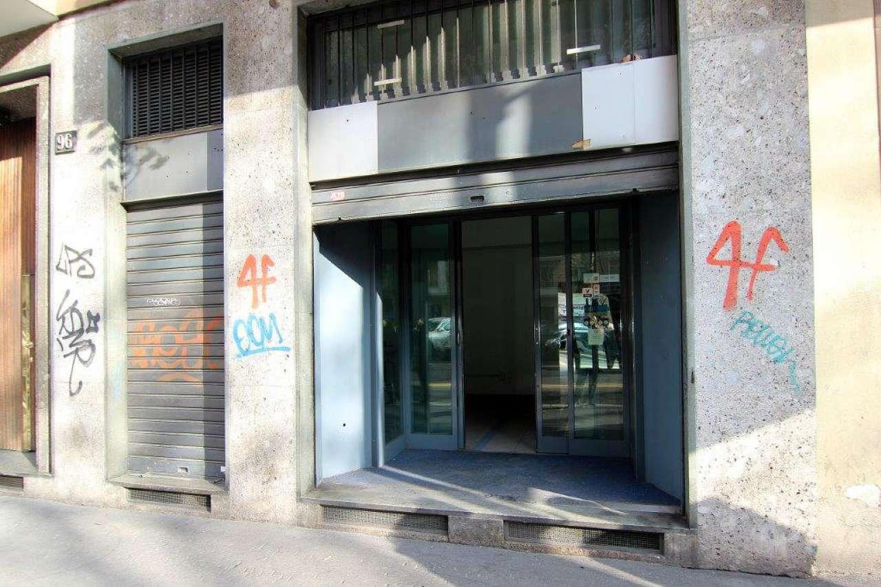 Negozio-locale in Vendita a Milano 06 Italia / Porta Romana / Bocconi / Lodi: 1 locali, 40 mq