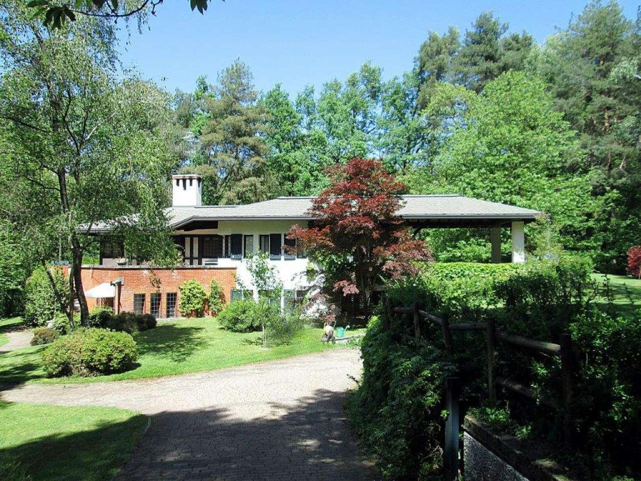 Villa in Vendita a Borgo Ticino: 5 locali, 290 mq