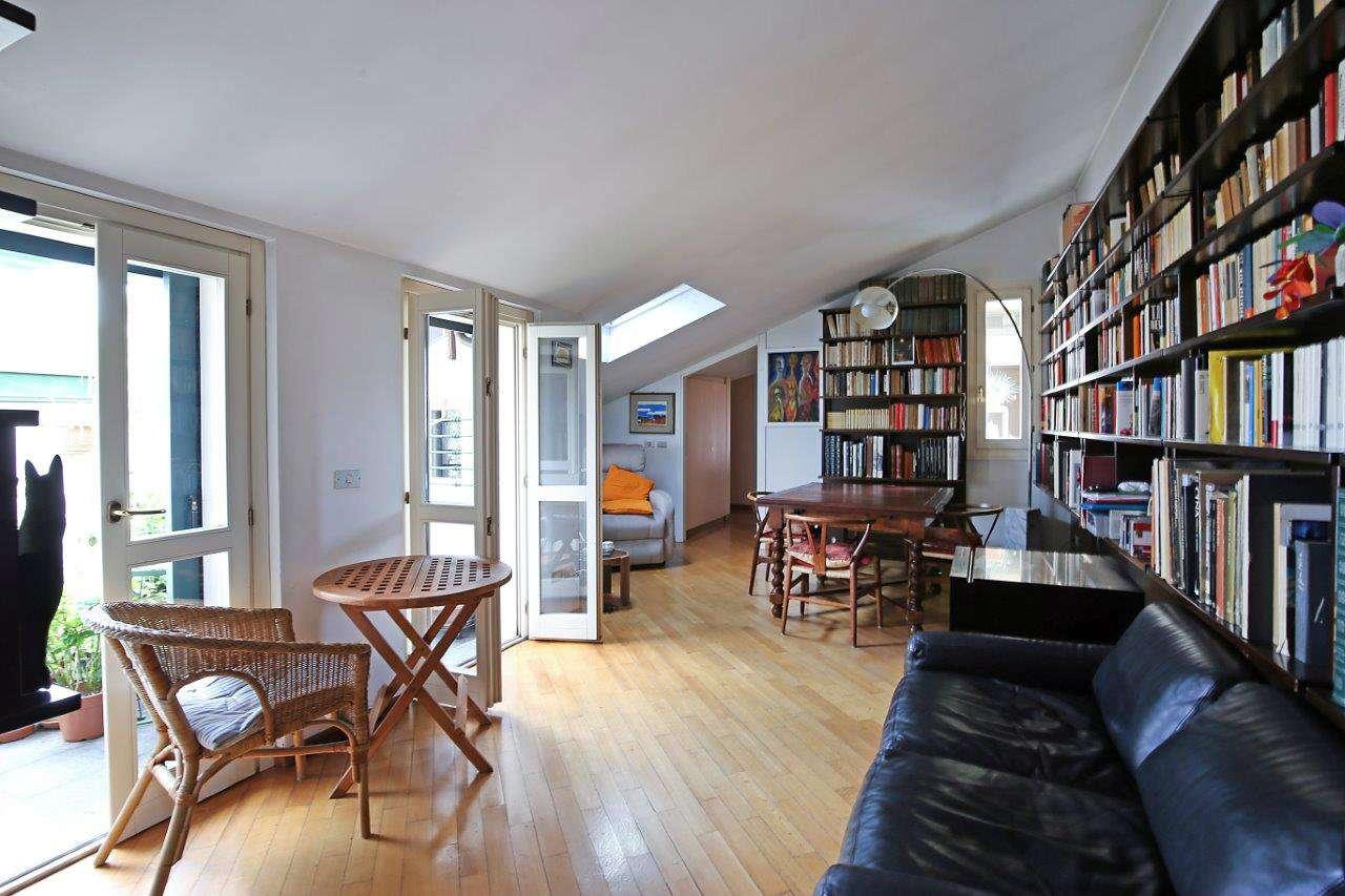 Appartamento in Vendita a Milano 07 Darsena /  Ticinese: 3 locali, 105 mq