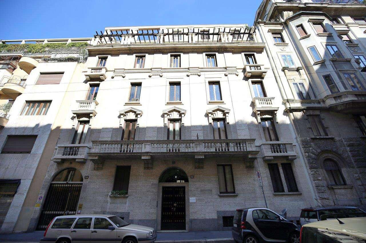 Ufficio-studio in Vendita a Milano 06 Italia / Porta Romana / Bocconi / Lodi: 5 locali, 140 mq
