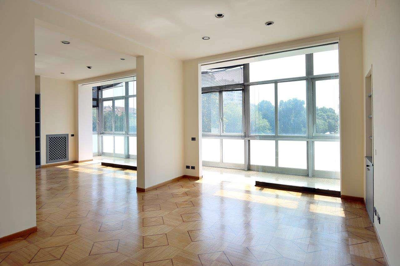 Appartamento in Vendita a Milano 02 Brera / Volta / Repubblica:  5 locali, 215 mq  - Foto 1