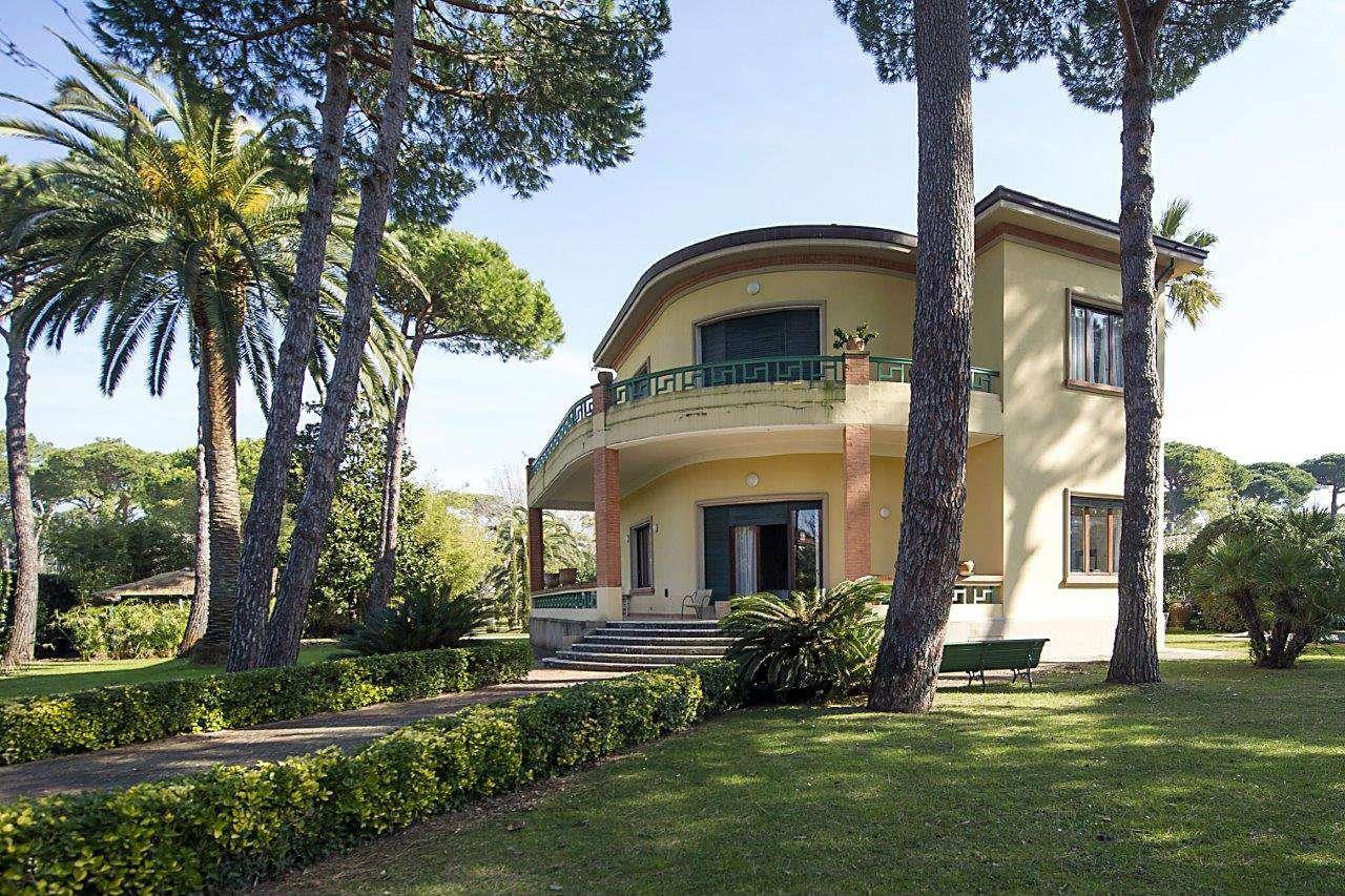 Villa in Vendita a Forte Dei Marmi: 5 locali, 522 mq