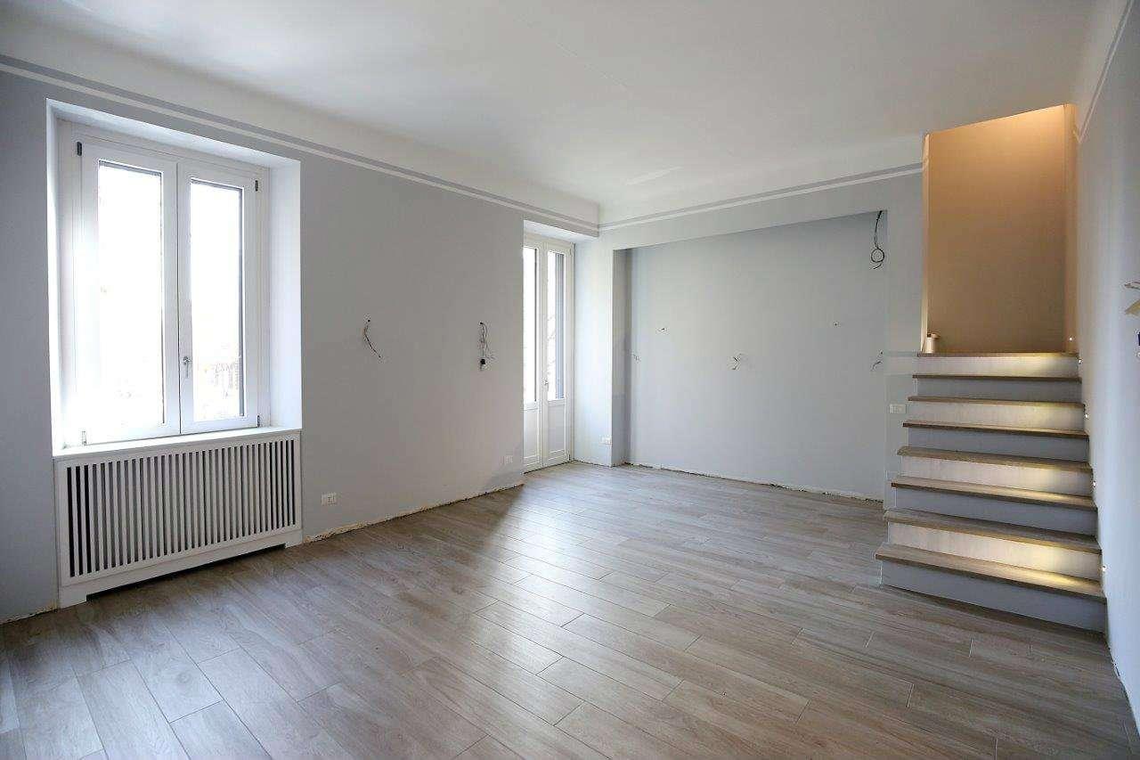 Appartamento in Vendita a Milano 06 Italia / Porta Romana / Bocconi / Lodi:  4 locali, 195 mq  - Foto 1