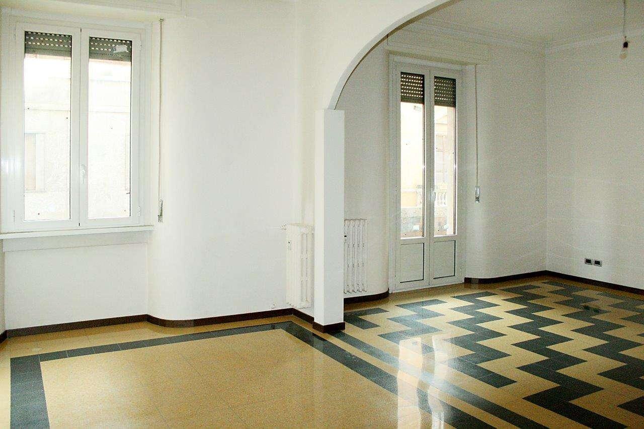 Appartamento in Vendita a Milano 03 Venezia / Piave / Buenos Aires: 3 locali, 125 mq