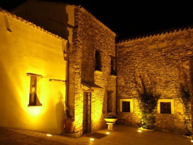 Villa in vendita a Suelli, 12 locali, prezzo € 450.000 | Cambio Casa.it