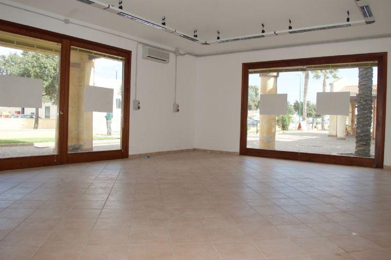 Negozio / Locale in vendita a Capoterra, 1 locali, prezzo € 110.000 | Cambio Casa.it